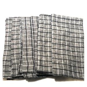 Crate and Barrel Linen Dinner Napkins